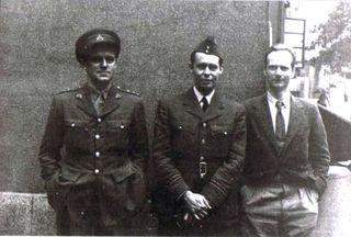 Douglas Parmée (center) with John Cairncros (right)